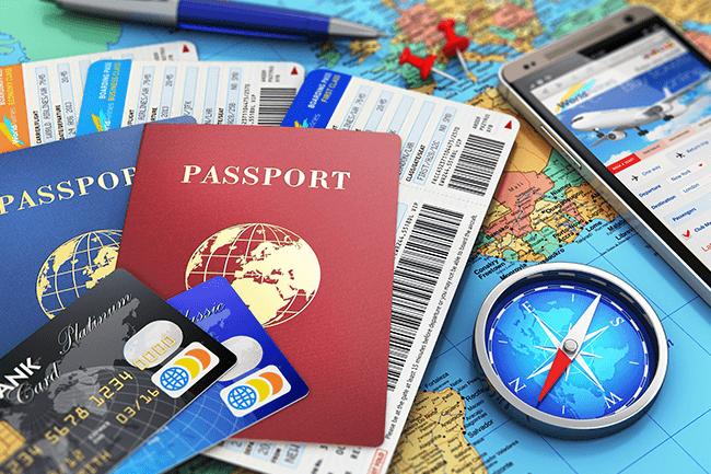 海外旅行でクレジットカードが大活躍!その理由と役立つサービスとは?